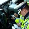 """Încă un """"viteaz"""" prins fără permis la volan"""