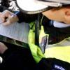 Șofer fără permis prins în timp ce conducea o mașină cu numere de înmatriculare expirate din anul 2018