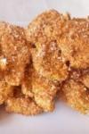 Strips piept de pui cu tărâțe și iaurt la cuptor