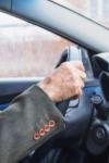 De povestit nepoților! Botoșănean de 70 de ani, prins conducând fără permis, cercetat pentru fals în înscrisuri oficiale