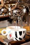 Avertisment pentru cei care beau cafea, espressorul este locul unde se adună cei mai mulţi microbi. Ce au descoperit specialiștii