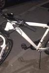 Doi tineri din Dorohoi prinși în miez de noapte cu două biciclete furate asupra lor