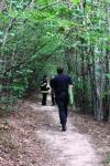 Femeie rătăcită în pădurea Vorona, ajutata de pompieri să își găsească drumul spre casă