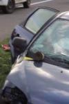 Amețit de aburii alcoolului s-a proptit cu mașina într-un cap de pod