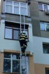 Misiune contracronometru a pompierilor! Femeie din Dorohoi găsită căzută în baie - FOTO