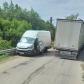 Accident pe drumul județean Mihăileni - Dersca. O autoutilitară a fost izbită de un camion - FOTO