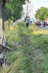 Accident grav! Un mort și două persoane rănite grav după impactul cu un copac - FOTO
