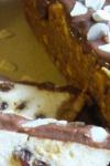 Cheesecake cu ciocolată, stafide și migdale
