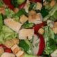Salată din piept de pui cu crutoane