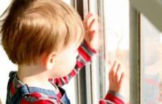 """Psiholog: """"Viața copilului, un preț mult prea mare pentru un job în străinătate"""""""