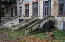 Primăria Dorohoi salvează de la dărâmare clădirea fostului cămin de fete de pe strada A.I. Cuza