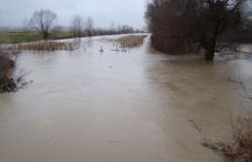 Case inundate - 39 persoane evacuate preventiv din calea apelor revărsate ale râului Miletin