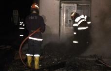 Familie distrusă la Corni :  Un copil decedat şi doi răniţi grav într-un incendiu