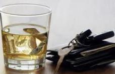 Infracţiuni rutiere : A condus mașina băut și fără a deține permis de conducere