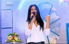 """Dorohoianca Adriana Chiţac și-a lansat primul single din cariera de artistă la """"Neața cu Răzvan și Dani"""""""