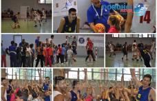 Caravana baschetului a ajuns la Dorohoi: Meci demonstrativ și zeci de premii oferite micuților doritori de mișcare - FOTO