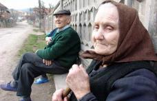 PDL trimite scrisori pensionarilor: Prin grija Guvernului Boc vi s-a mărit pensia