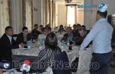 """Masă rotundă organizată de Asociația Clara pentru prezentarea rezultatelor în cadrul Programului """"ȘANSE EGALE"""" - FOTO"""