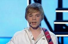 """Adrian Aron a stârnit şiroaie de lacrimi pe scena """"Românii au Talent"""" în 2013. Ce s-a ales de băiatul cu chip de înger!"""