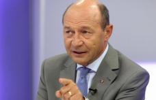"""Băsescu: """"Nu cred în guvernul de tehnocraţi. Tehnocraţii nu îşi asumă nimic, omul politic îşi riscă cariera"""""""