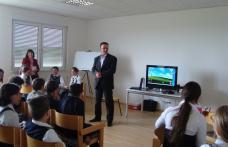 Dorohoi | 9 Mai – Ziua Europei la Şcoala Cornerstone
