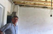 Casele construite pentru sinsitraţii dorohoieni se dărâmă