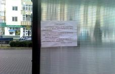Primim la redacţie - Afişaj stradal în staţiile VIP din Dorohoi - FOTO