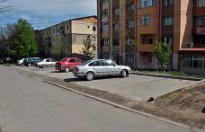 Primim la redacţie - Parcările din Cartierul Plevna - FOTO