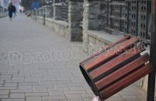 """Primim la redacție - Coșurile de gunoi din nou în atenția …""""răufăcătorilor"""" - FOTO"""