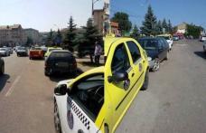 """Primim la redacție - Taximetriștii din Dorohoi """"Noi plătim parcări pentru a fi înjurați?"""""""