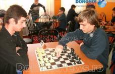 Olimpiada Naţională a Sportului Școlar şi Olimpiada Gimnaziilor: Etapa județeană la șah fete și băieți - FOTO