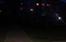 Primim la redacție – Parc din Dorohoi lăsat în beznă. Cetățeni nemulțumiți!