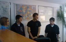 Liceenii câştigători în vizită la sediul I.J.J. Botoşani…