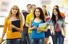 Atenție angajatori! Stimulent financiar pentru cei care încadrează elevi și studenți în perioada vacanțelor