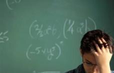 Elevii claselor a VIII-a care dau corigenţa în august se pot înscrie la liceu în septembrie