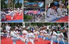 """Demonstrație de karate oferite de clubul Black Tiger pe Pietonalul """"Grigore Ghica"""" din Dorohoi - FOTO"""