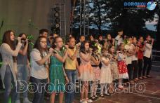 Acorduri de muzică folk și muzică ușoară la Zilele Copilului Dorohoi 2016 – FOTO
