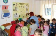 Ziua Porţilor Deschise pentru Copii | Sediul Jandarmeriei invadat de …copii !