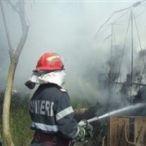 Bucătăria de vară incendiată de un jar căzut din sobă