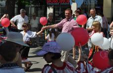"""[VIDEO][FOTO] Primarul Dorin Alexandrescu alaturi de copii de ziua lor – """"TE IUBESC DOROHOI!"""""""