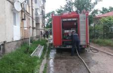 Panică într-un bloc de garsoniere. 20 de oameni evacuați de pompieri!