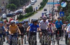 """Municipiul Dorohoi invadat de copii pe două roți la """"Parada bicicletelor"""" 2016 - VIDEO / FOTO"""
