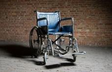 O sută de scaune rulante vor fi donate persoanelor cu dizabilităţi. Doritorii pot să contacteze APAA
