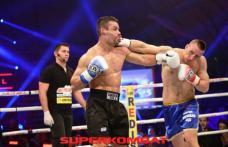 Superkombat revine în acest week-end cu un nou show incendiar la Braşov: România vs Grecia şi meci titlul mondial