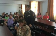 Instructaj din partea ISUJ Botoșani, în domeniul situaţiilor de urgenţă la sediul DGAPCS Botoșani - FOTO