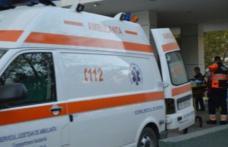 Angajat al unei societăți din județ, ajuns la spital după ce s-a rănit în timpul unei manevre greșite