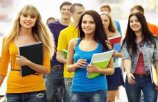 Atenție patroni! Se acordă stimulente financiare dacă încadrați elevi și studenți pe perioada vacanțelor