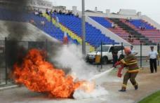 Pompierii voluntari şi privaţi din Moldova se întrec la Botoşani