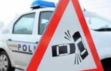 Accident violent cu trei victime în județul Botoșani! O mașină a intrat într-un microbuz