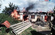 Incendiu uriaș la Suharău! Flăcările au mistuit 30 de tone de furaje și două clădiri - FOTO
